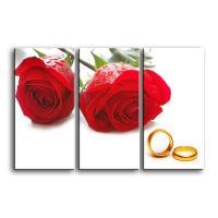 Две красные розы и кольца